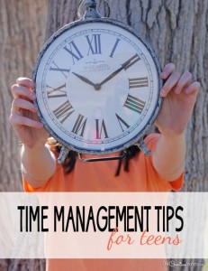 Time management for teens is tough! Check out these tips to stop procrastination! {OneCreativeMommy.com}